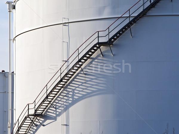 Industrial escalera blanco tanque petróleo construcción Foto stock © meinzahn