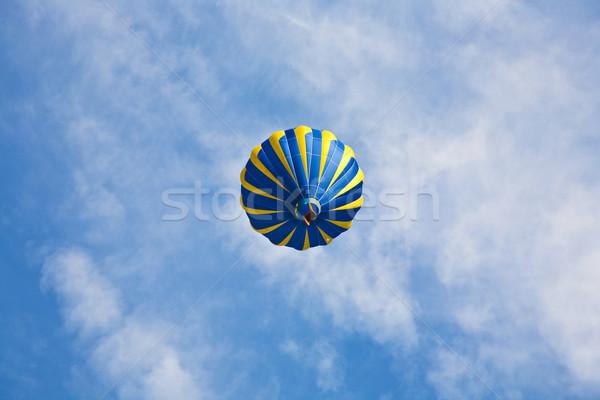 Hot lucht ballonnen luchtballon bewolkt hemel Stockfoto © meinzahn