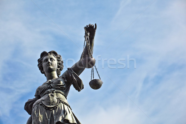 Statua signora giustizia Francoforte sul Meno business Foto d'archivio © meinzahn