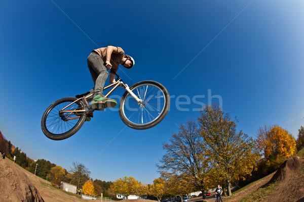 Jongen vuil fiets gelukkig sport haren Stockfoto © meinzahn