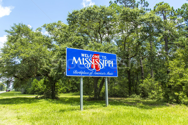 Red, white, and blue sign to welcome travelers to Mississippi -  Stock photo © meinzahn