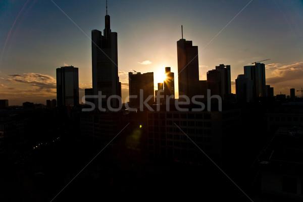Puesta de sol rascacielos Frankfurt centro de la ciudad negocios cielo Foto stock © meinzahn