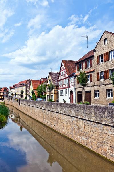 Stockfoto: Middeleeuwse · huizen · rivier · stad · Europa · mooie