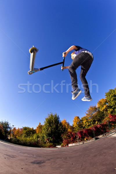 Stock fotó: Gyermek · moped · felhők · boldog · sport · fitnessz