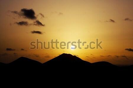 Sunrise volcanique montagnes paysage fond beauté Photo stock © meinzahn