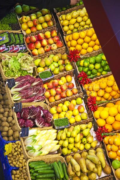 Vers voedsel markt voedsel hal citroen banaan Stockfoto © meinzahn