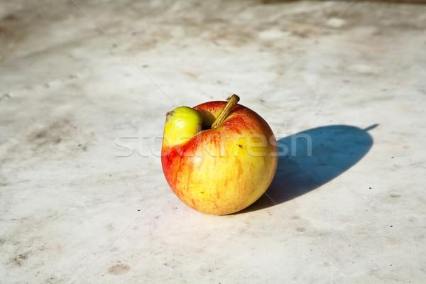 Jabłka dać fantasy świeże ciekawy Zdjęcia stock © meinzahn