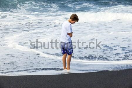 Jongen leuk zwarte vulkanisch strand kinderen Stockfoto © meinzahn