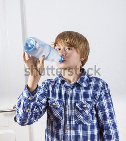 Susuz erkek içme suyu yüz okul mutlu Stok fotoğraf © meinzahn