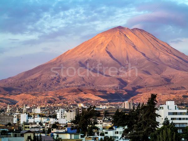 Peru ikonowy wulkan budynku słońce krajobraz Zdjęcia stock © meinzahn