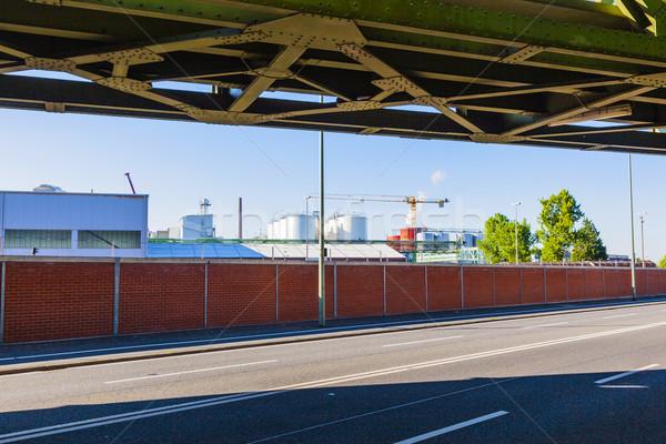 Industria parque borde del camino ferrocarril puente casa Foto stock © meinzahn
