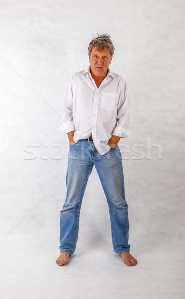 Volwassen man permanente omhoog witte hand gezicht Stockfoto © meinzahn