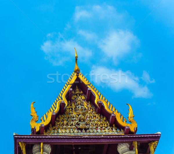 Manastır ünlü altın Buda çatı gökyüzü Stok fotoğraf © meinzahn
