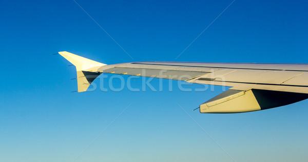 Repülőgép szárny alkotóelem repülőgép repülés magas Stock fotó © meinzahn