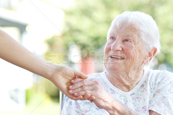 Stockfoto: Senior · vrouw · holding · handen · gelukkig · hand · home
