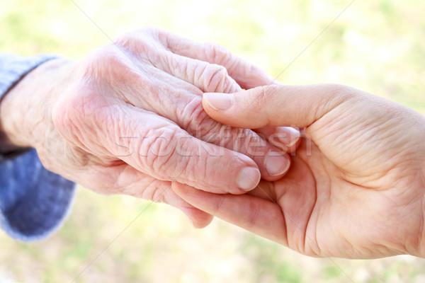 Stock fotó: Idős · fiatal · kéz · a · kézben · fiatal · nők · tavasz · család