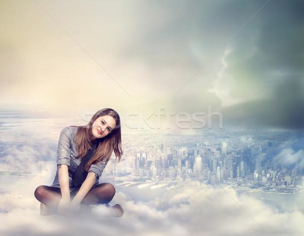 Stok fotoğraf: Mutlu · kadın · oturma · bulutlar · genç · kadın · gülümseme
