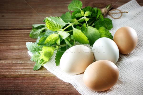 Ovos rústico mesa de madeira tabela madeira fazenda Foto stock © Melpomene