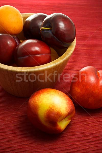 Lédús szilva sárgabarack csoport gyümölcsök desszert Stock fotó © Melpomene