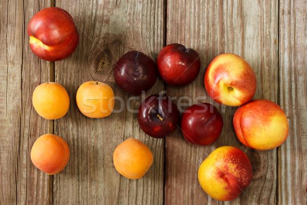 Suculento mesa de madeira comida natureza grupo vermelho Foto stock © Melpomene