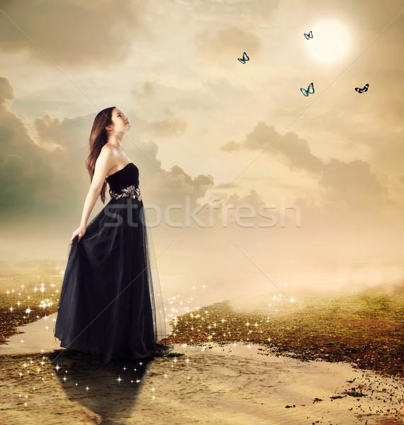 Stock fotó: Gyönyörű · lány · hold · fény · pillangók · nő · lány