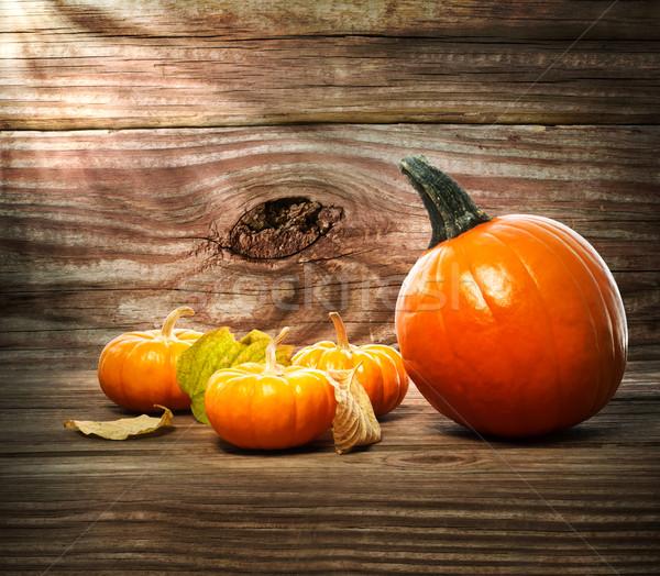 Tökök fa asztal rusztikus fából készült őszi levelek fa Stock fotó © Melpomene