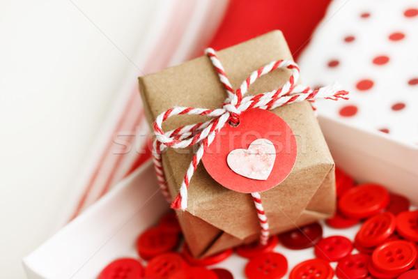 Stok fotoğraf: El · yapımı · küçük · hediye · kutusu · kalp · etiket