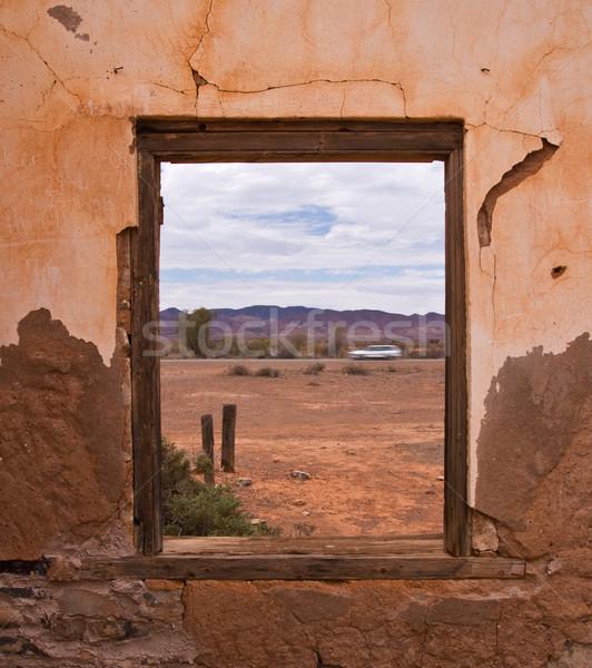 Ventana vista antigua casa desierto Foto stock © MichaelVorobiev