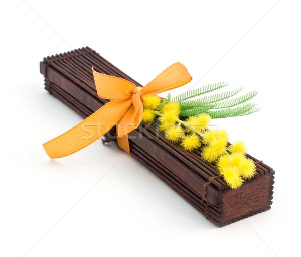 Japonês dom caixa de presente flores amarelas caixa Foto stock © MichaelVorobiev