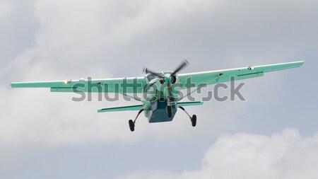 Klein vliegtuig bewolkt hemel technologie vliegtuig Stockfoto © michaklootwijk