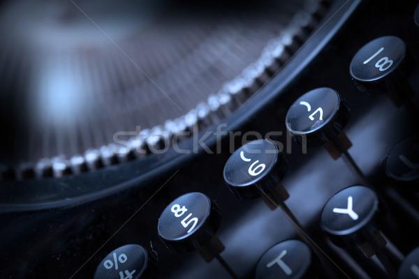Foto antiguos máquina de escribir claves superficial Foto stock © michaklootwijk