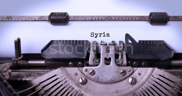 Oude schrijfmachine Syrië opschrift vintage land Stockfoto © michaklootwijk
