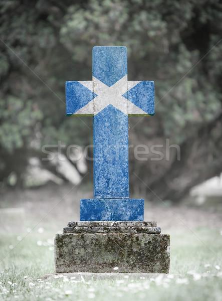 Mezar taşı mezarlık İskoçya eski yıpranmış taş Stok fotoğraf © michaklootwijk