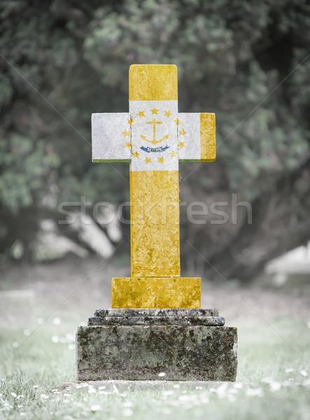 Mezar taşı mezarlık Rhode Island eski yıpranmış bayrak Stok fotoğraf © michaklootwijk