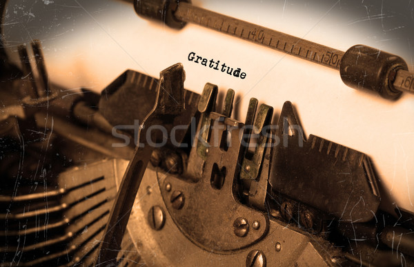 Velho máquina de escrever papel foco gratidão Foto stock © michaklootwijk