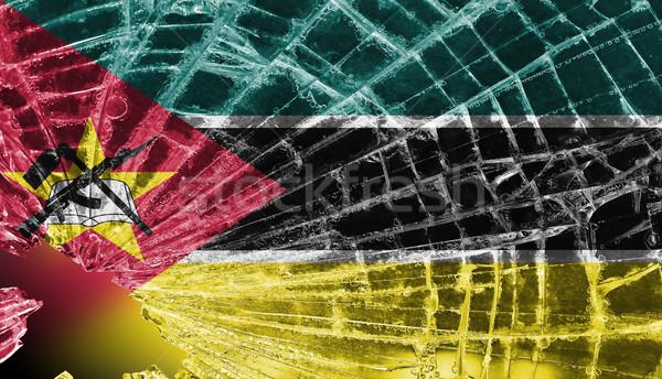 Kırık cam buz bayrak Mozambik yalıtılmış cam Stok fotoğraf © michaklootwijk