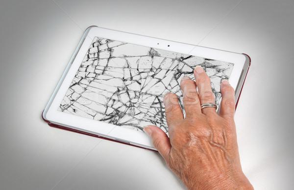 Altos dama tableta agrietado Screen seguro Foto stock © michaklootwijk