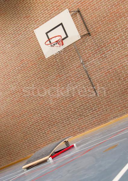 Interieur gymnasium school springen hoog mand Stockfoto © michaklootwijk