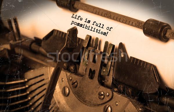 Vieux machine à écrire papier mise au point sélective vie Photo stock © michaklootwijk