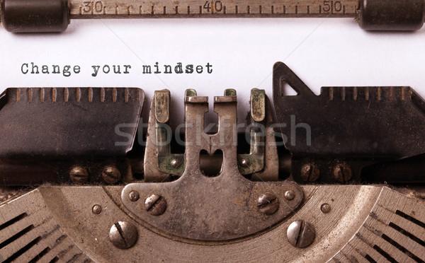 Vintage opschrift oude schrijfmachine verandering brief Stockfoto © michaklootwijk