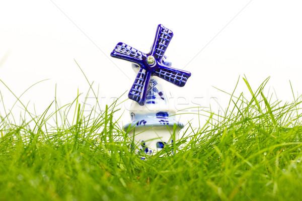 Nederlands klein porselein windmolen nat gras Stockfoto © michaklootwijk