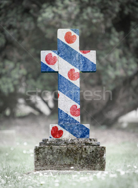 Lápide cemitério velho resistiu grama quadro Foto stock © michaklootwijk