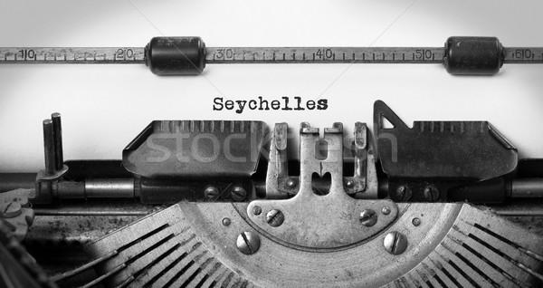 Oude schrijfmachine Seychellen opschrift vintage land Stockfoto © michaklootwijk