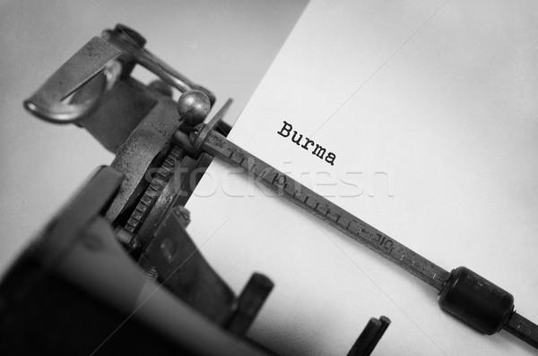 Oude schrijfmachine birma opschrift land technologie Stockfoto © michaklootwijk