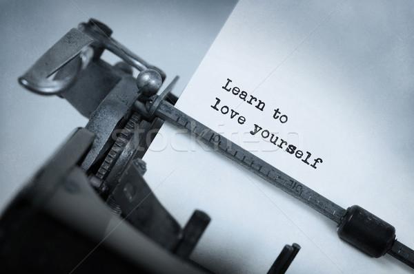 Vintage napis starych maszyny do pisania nauczyć miłości Zdjęcia stock © michaklootwijk
