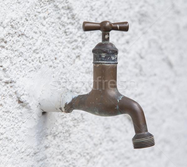 ストックフォト: 古い · 給水栓 · 白 · 壁 · 水 · タップ