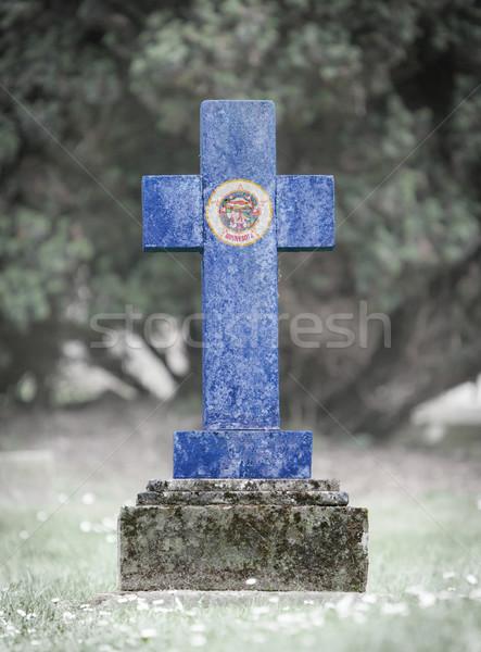 Lápida sepulcral cementerio Minnesota edad capeado bandera Foto stock © michaklootwijk