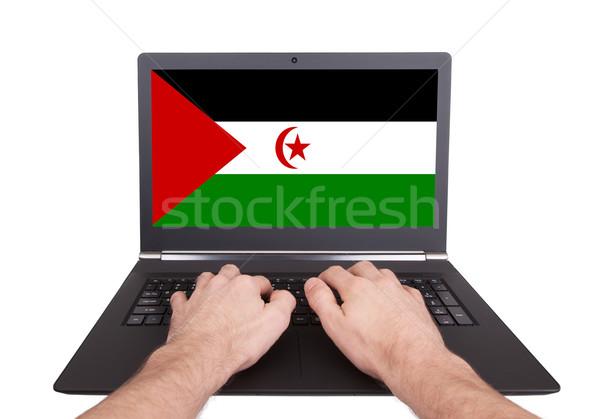 Handen werken laptop westerse sahara tonen Stockfoto © michaklootwijk