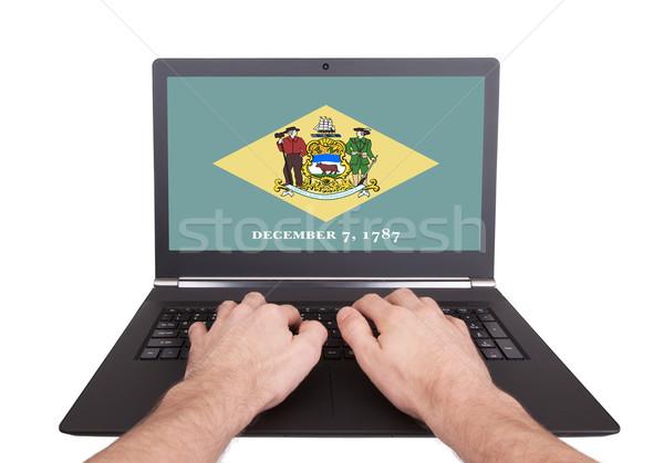 Mãos trabalhando laptop Delaware tela Foto stock © michaklootwijk