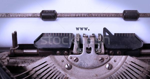 Vintage velho máquina de escrever www papel Foto stock © michaklootwijk
